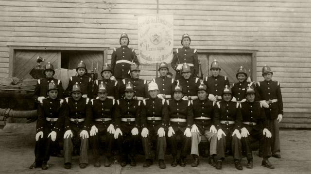 Primera compañía de bomberos en el año 1948